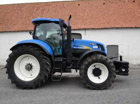 New Holland Landbouwtraktor T 7040 Landbouwmachines